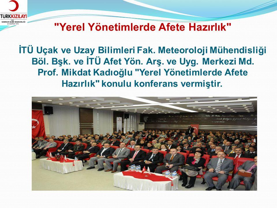 Ankara Ümit Köy Musiki Derneği Korosu, Atatürk'ün Sevdiği Şarkı ve Türküleri seslendirdi.