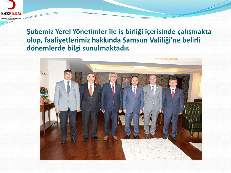 İL – İLÇE ŞUBE TOPLANTILARI Türk Kızılayı Samsun İl ve ilçe şubeleri ile belirli aralıklarla yemekli toplantılar düzenlenerek bilgi alış verişinde bulunulmakta, projeler paylaşılmakta ve birlik ve beraberlik pekiştirilmektedir.