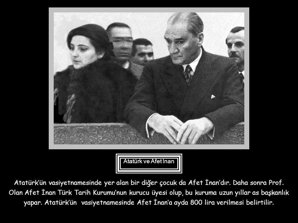 Atatürk bir Konya gezisinde Rukiye'yi tanır. Kimsesiz bu çocuğu Ankara'ya getirir ve okumasını sağlar, daha sonra bir jandarma yüzbaşısı ile evlendiri