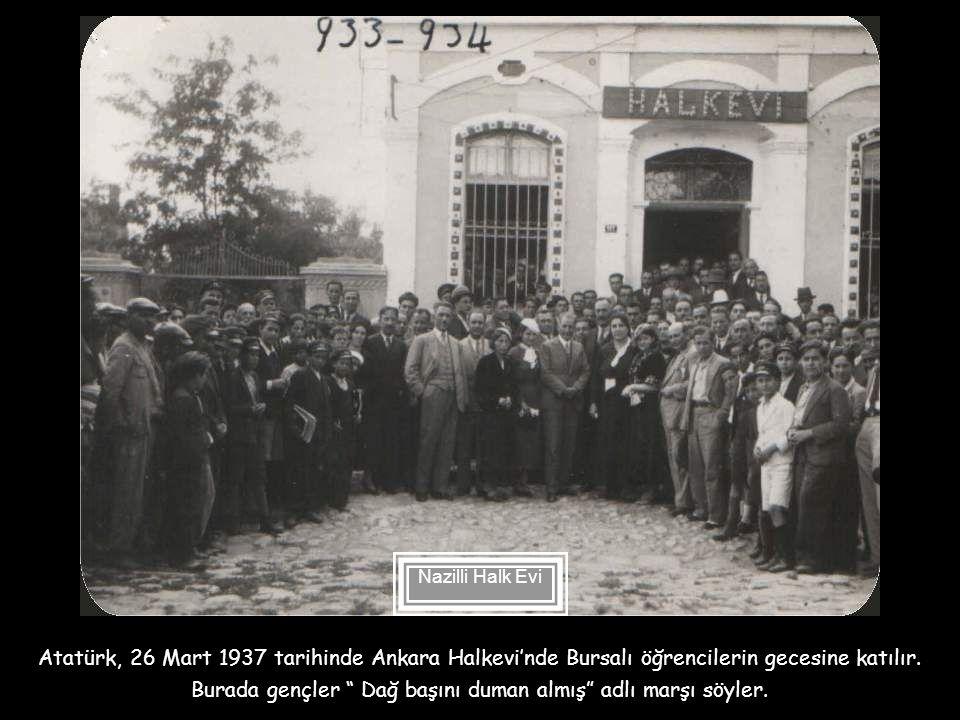 12 Nisan 1934'te Atatürk İzmir'de çocuk balosuna katılır. Burada küçük kız öğrencilerle dans eder. Gazi Mustafa Kemal'in İzmir Gazi İlkokulunu ziyaret