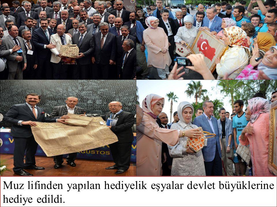 Muz lifinden yapılan hediyelik eşyaların nasıl yapıldığına, hangi aşamalardan geçtiğine dair TRT Haber ve Sabah Aktüel haber programlarında yer verildi.