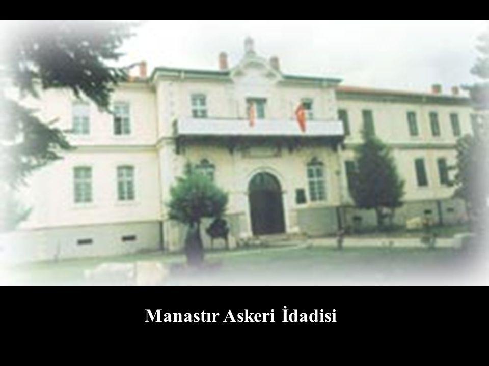 ÖĞRENİM HAYATI Mustafa Kemal, Selanik Askerî Rüştiyesini bitirdikten sonra 13 Mart 1896'da Manastır Askerî İdadisine girdi. Burada Ömer Naci ile arkad