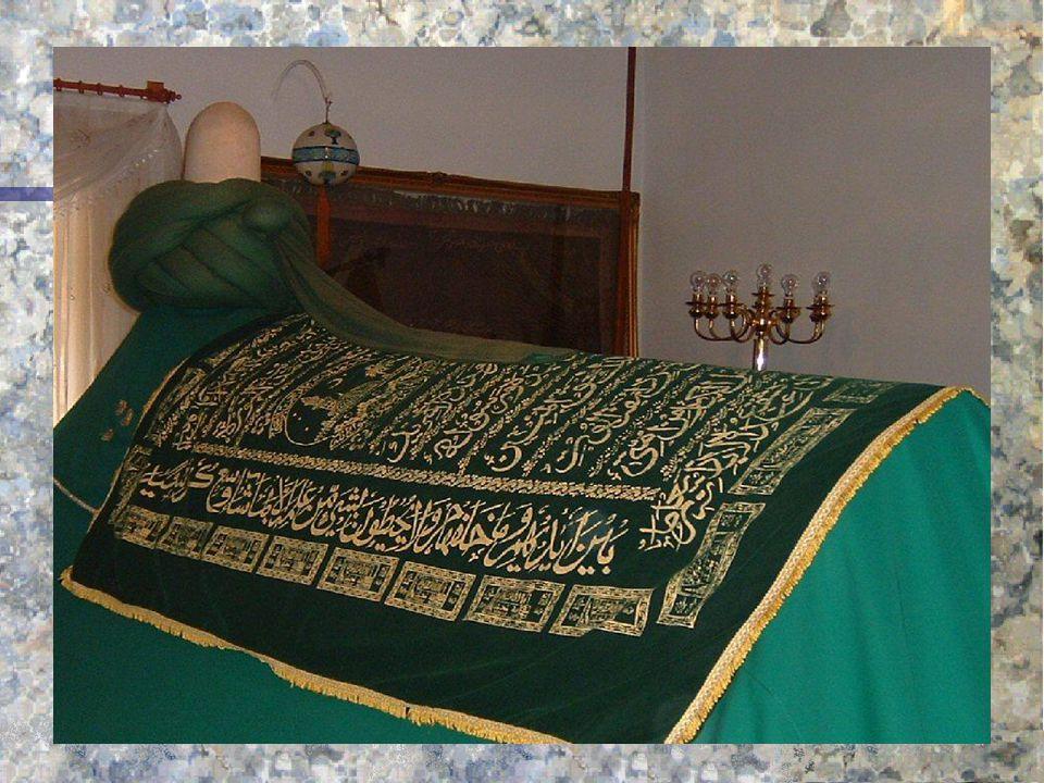 Mevlana'da İnsan n Ona göre insan her varlıktan yücedir. n İnsanın büyüklüğü ruh varlığı sebebiyledir. n Onun hümanizmi İslam'ın özündeki insan sevgis