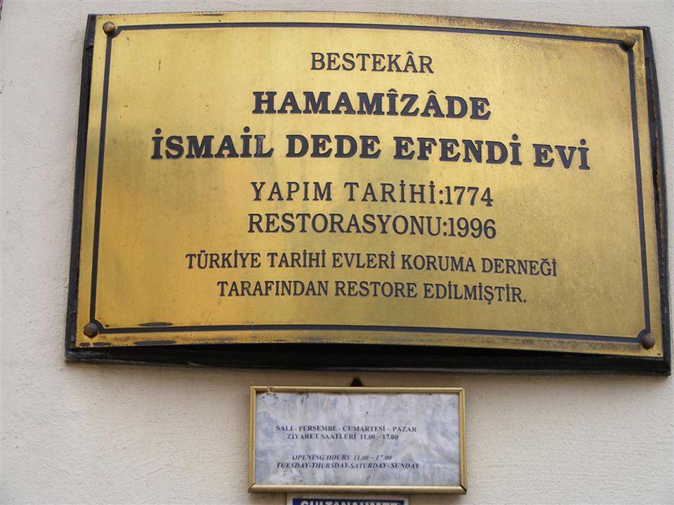 İstanbul Sultanahmet Cankurtaran`da bir Dede Efendi Evi vardır. Bu değerli bestecimizin evi Yenikapı istikametinden gelirken Çatladıkapı`yı geçtikten