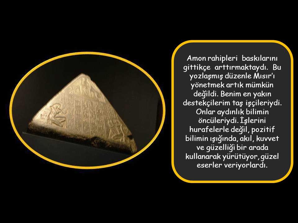 Nefertiti bana altı kız çocuğu doğurdu. Mısır ile ilgili konuları birlikte düşündük ve birlikte karar aldık. Halkım onu çok sevdi.