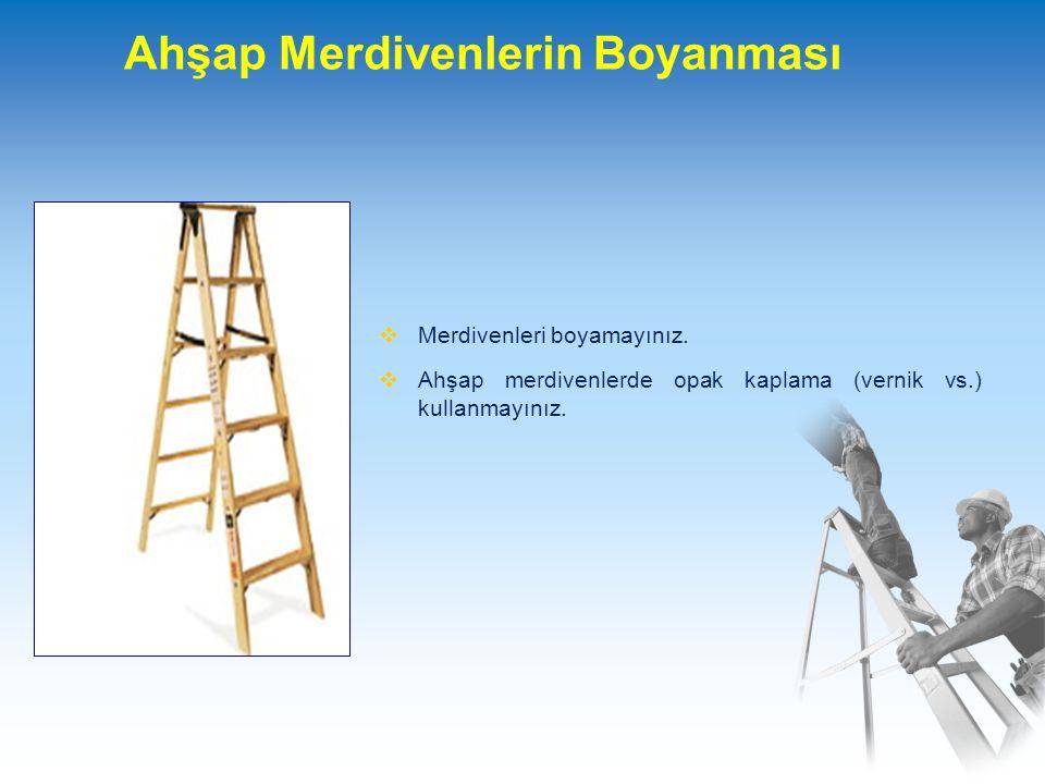 Merdiven Kenar Rayı Uzatması  Yukarıdaki bir platforma ulaşılması gerektiğinde, şekilde görüldüğü gibi iki kademeli bir merdiven kullanılması gerekiyorsa, kenar rayları, platform doruk noktasından 90 cm.